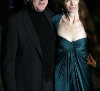 苏西·埃米斯 詹姆斯·卡梅是20世纪引人注目的导演之一